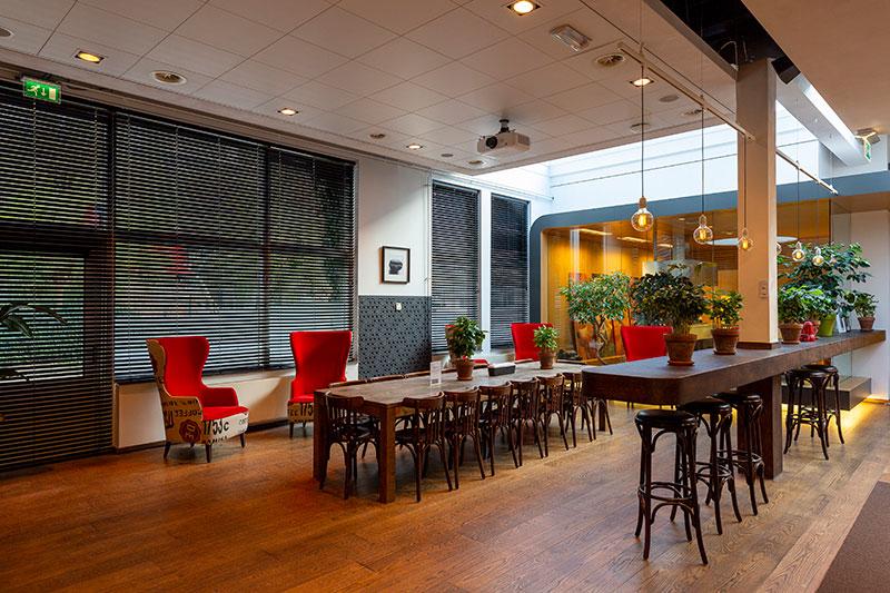 lunch room of douwe